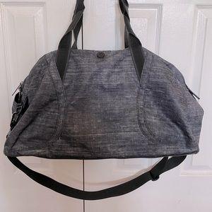 LuLulemon Heathered Grey Duffle Bag 31L